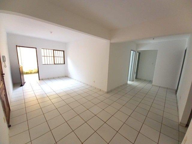 Aproveite! Apartamento 3 Quartos para Aluguel em Armação (573649)