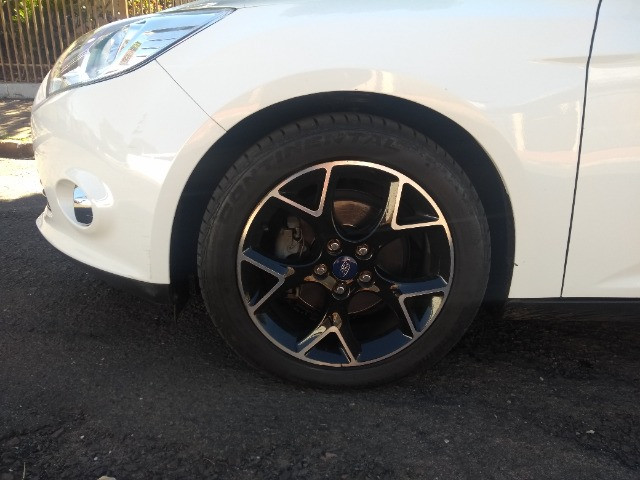 Ford Focus Hatch 2.0 Titanium 2014  - Foto 7