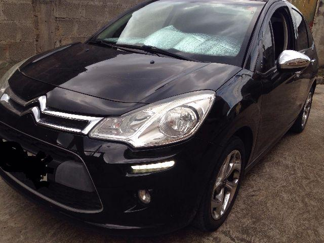 Citroen C3 preto com kit multimidia
