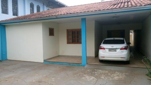Excelente casa de 4 quartos na Avenida Amazonas no Agenor de Carvalho