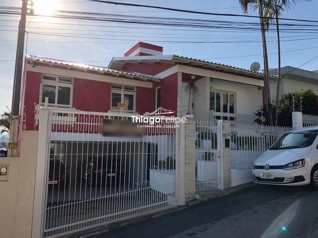 Casa com 04 quartos em Florianópolis/SC (Estreito)