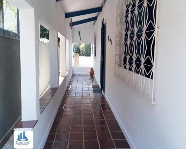 Casa linear, independente, com muito quintal e garagem no centro de Itacuruçá - Foto 19