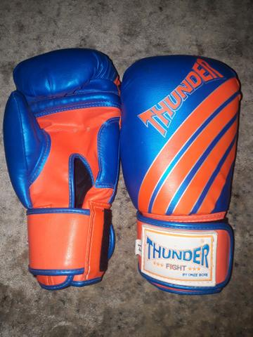 Luvas de boxe/14 thunder. R$90