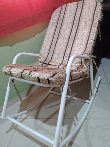 Troco cadeira em poltrona do papai - Foto 3