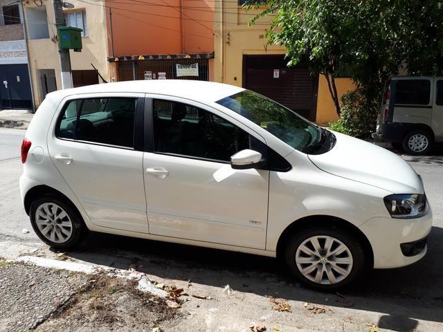 Volkswagen Fox 1.0 (Flex) 4p - 2013 - Foto 2