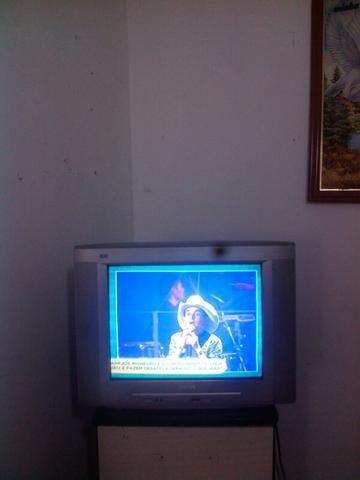 Tv tubo 20 polegada bom estado