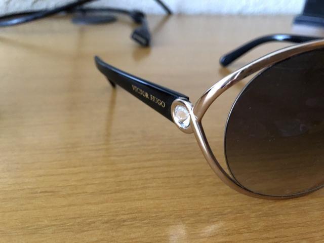Óculos de Sol Victor Hugo Original - Foto 2