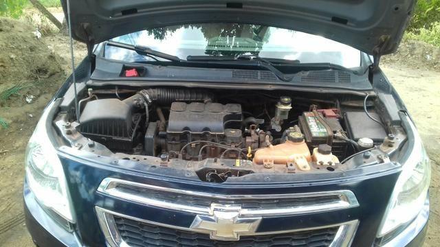 Vendo carro cobalt 1.4 bem conservado 2013 e 2014 não deve nada meu contato