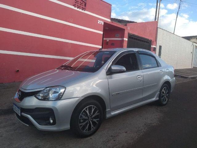 Toyota Etios platinum 1.5 - Foto 2