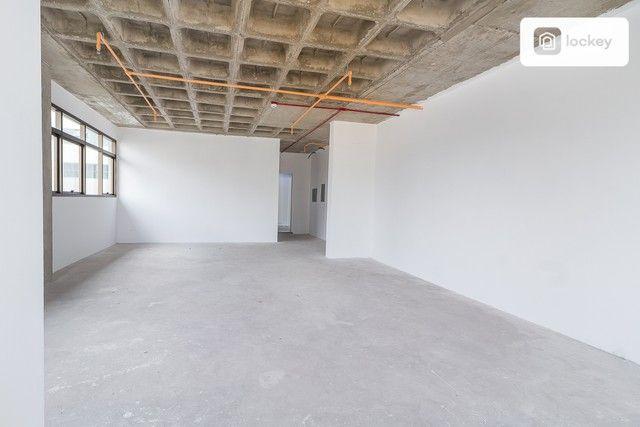 Sala com 132m² - Foto 4