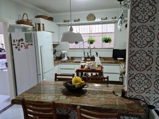 Vendo Belíssima casa em Santa Teresa no bairro Jardim da Montanha - Foto 6