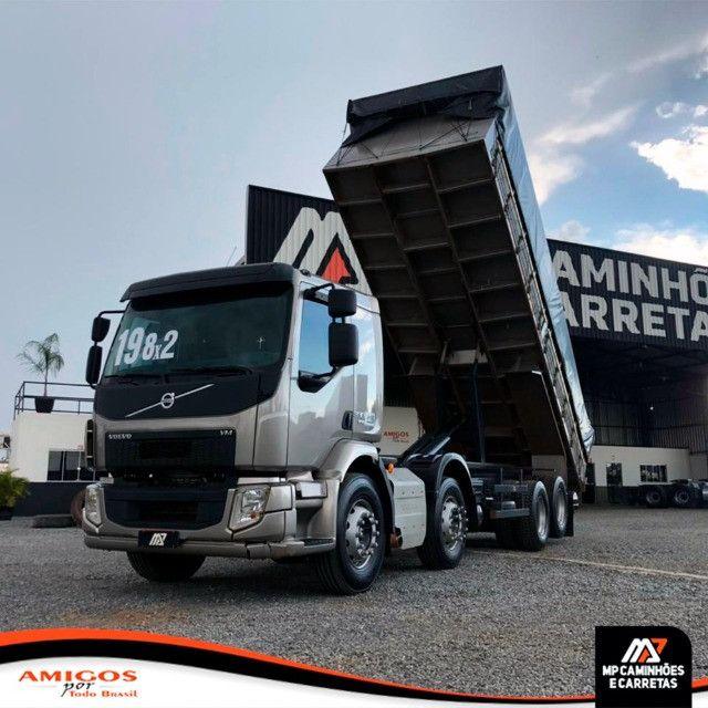 Caminhão Volvo Vm 330 Bitruck 8x2 Caçamba Agrícola 2019 - Foto 11