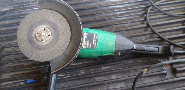 Esmerilhadeira Hitachi 2000w, 220V - Foto 2