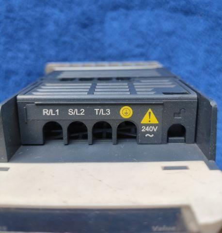 Inversor de frequência Altivar 0,5CV 220V - Foto 2