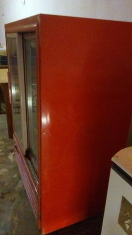 Freezer expositor vermelho