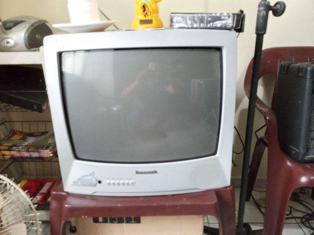 TV Panasonic em Ótimo Estado com Conversor  - Foto 2