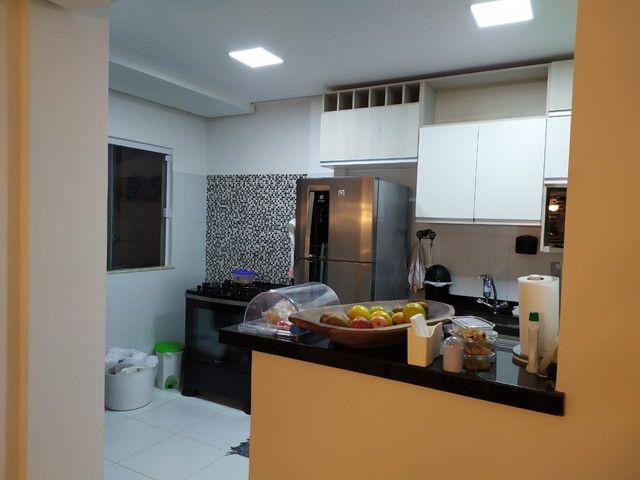 Casa de condomínio, possui 124 m2 com 3 quartos sendo 2 suítes e 1 semi-suíte - Foto 11