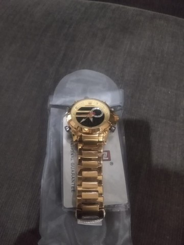 Vende-se  esse relógio dorado - Foto 2