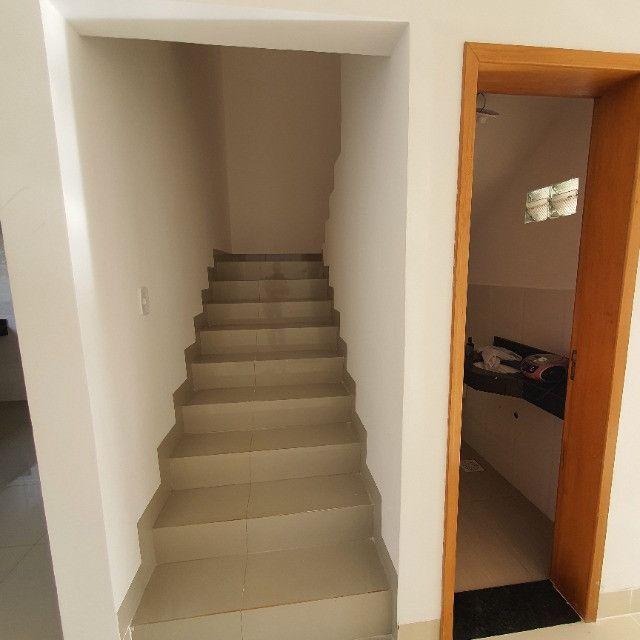 Sobrado 3 quartos no Antônio Barbosa, nunca habitado, construção com material de primeira - Foto 4