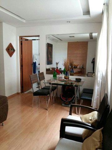 Apartamento todo com armários - Dois Quartos - Uma vaga // Camargos - BH