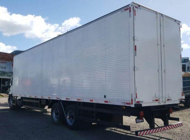 Ford Cargo 1317 - Truck 6x2 Baú de 11m - Foto 4