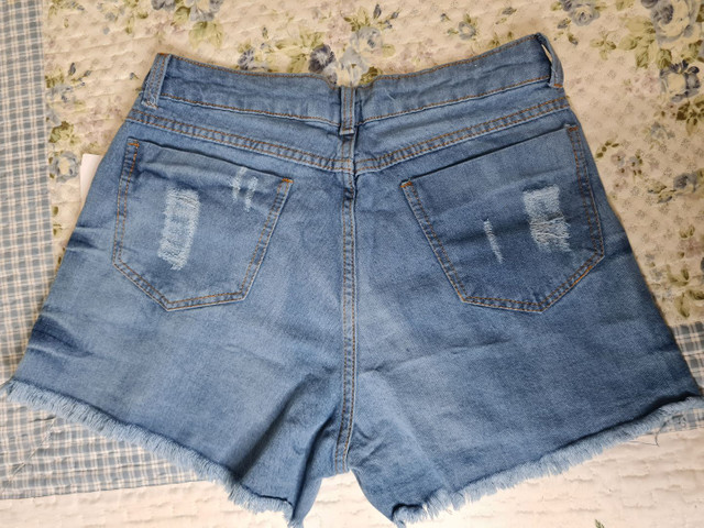 Vendo jeans novo sem uso shorts e calça  - Foto 2