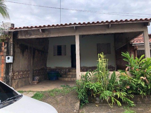 Vendo casa no condomínio fechado. Valor R$ 120.000 mil.