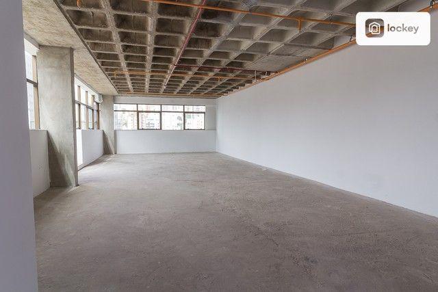 Sala com 132m² - Foto 14