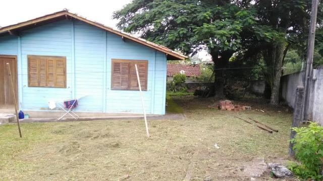1621 - São 3 casas em terreno de 1260 m² - próxima a Base da Aeronáutica - Sul da Ilha - Foto 4