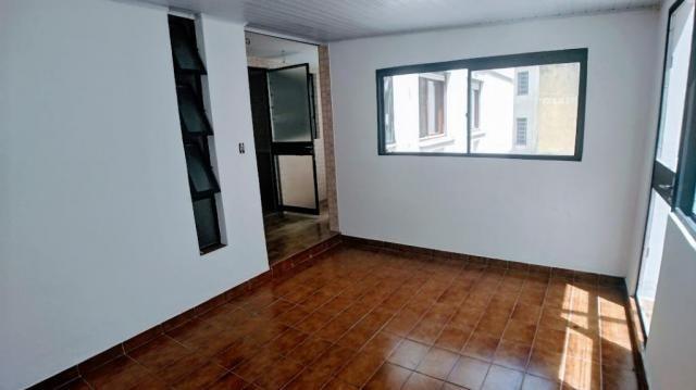 2 dormitórios com pátio no bairro Floresta - Foto 12