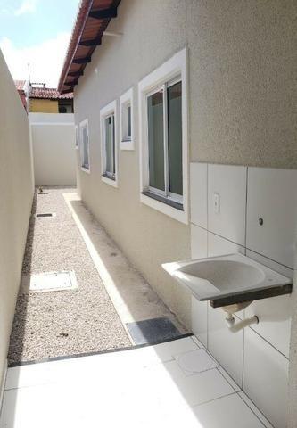 Casa com 3 quartos garagem para 2 carros e Varanda bem espaçosa com Documentação Grátis - Foto 17