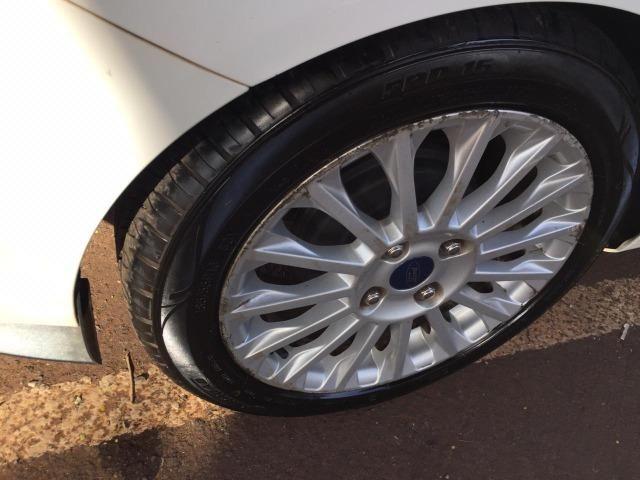 Fiesta Sedan Titanium 1.6 P. Shift 2014 - Foto 6