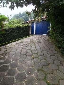 Vende-se casa de posse em clima bucólico no Alto da Boa Vista com 4 quartos - Foto 4