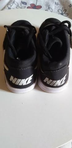 Tênis um da Nike original e outro da levis original - Foto 2