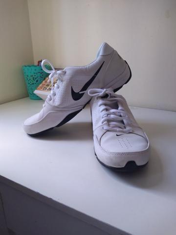 Nike semi novo( quase não usado) - Foto 2