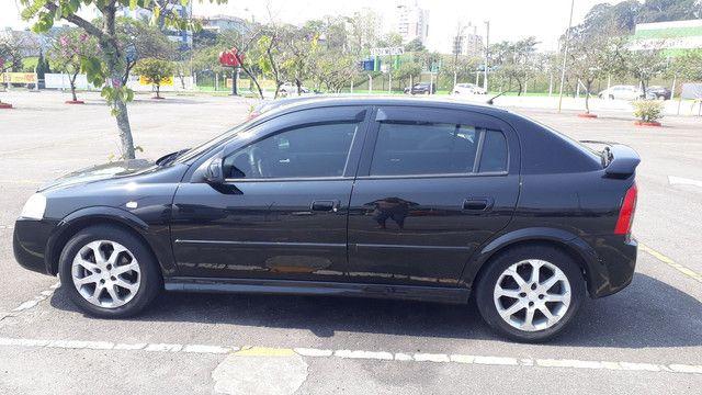 GM Astra 2011 - Foto 2