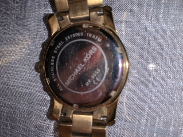 Relógio Michael Kors Feminino Dourado - MK5055 - Foto 2