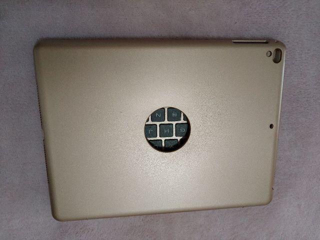 Capa com teclado bluetooth para iPad (veja descrição) - Foto 2