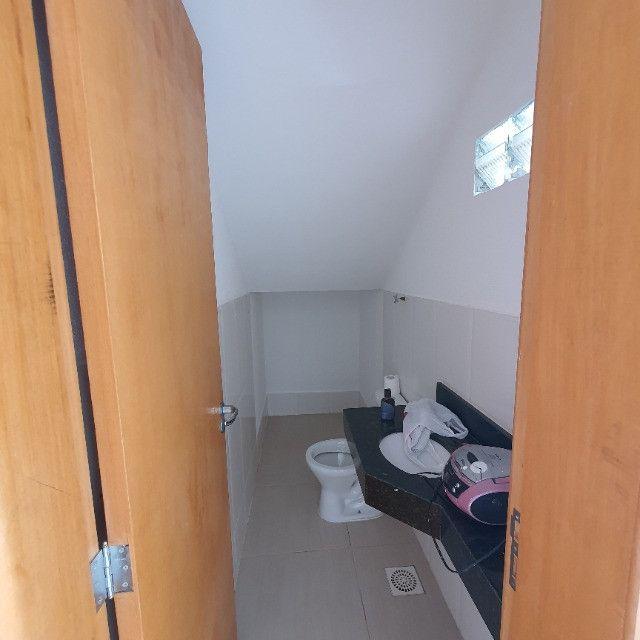 Sobrado 3 quartos no Antônio Barbosa, nunca habitado, construção com material de primeira - Foto 3