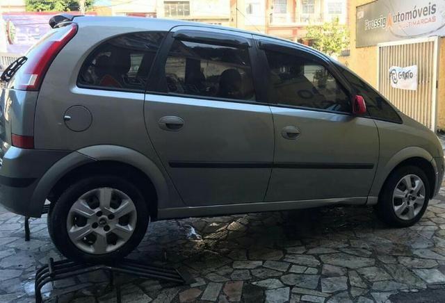 Chevrolet Meriva 1.4 8v flex Couro (Queima de estoque) + kit gas - Foto 2