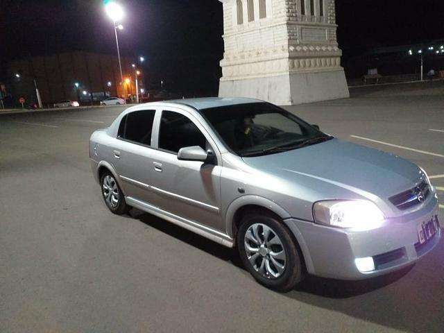 Vendo este carro astro - Foto 2