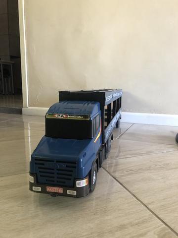 Caminhão de madeira - Foto 3