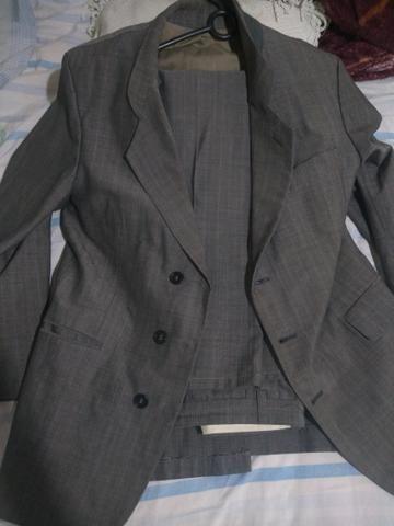 Terno: Calça N° 36 e Blazer N° 42 . Blazer preto: N° 44 + 2 gravatas - Foto 3