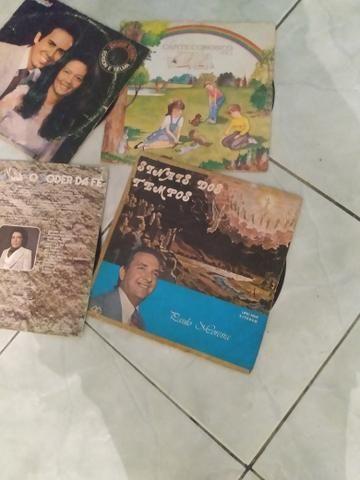 Vendo discos antigos inclusive Nelson Ned