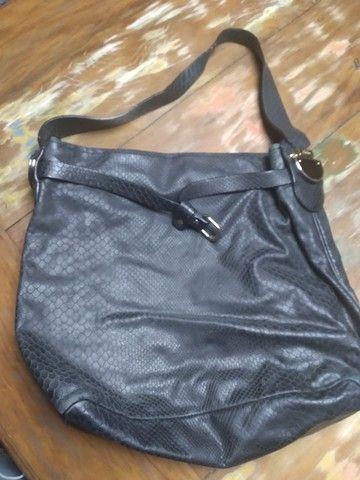 Bolsa couro preta  - Foto 4