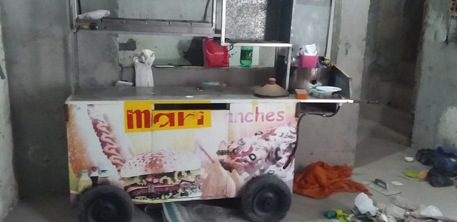 Vendo carrinho de lanchar muito e conservado  - Foto 3