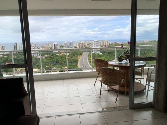Aluguel Apartamento 180m², Nascente, 3 Suítes, Decorado e Mobiliado, em Patamares, Salvado - Foto 2