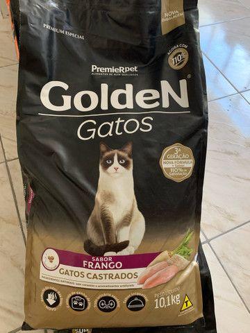 Ração Golden 10,1kg Gatos - Filhotes, Castrados, Adultos - Frango Carne Salmao