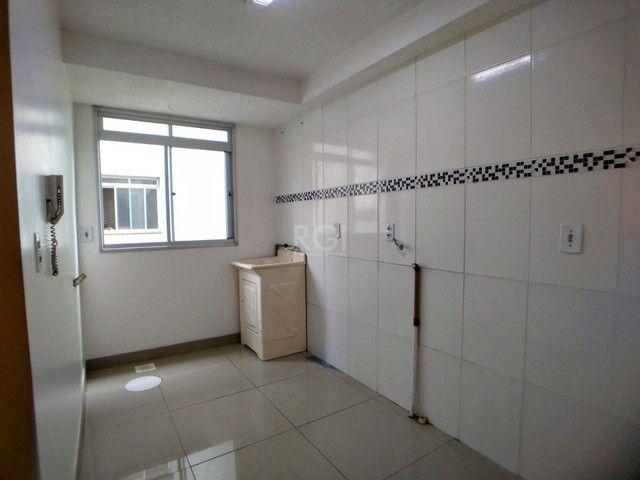 Apartamento térreo  com pátio 2 dormitórios no condomínio Reserva da Figueira no bairro Lo - Foto 6