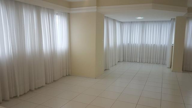 Excelente Apartamento, na melhor localização de Candelária , fino acabamento